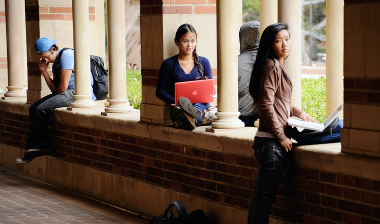 california colleges with creative writing majors