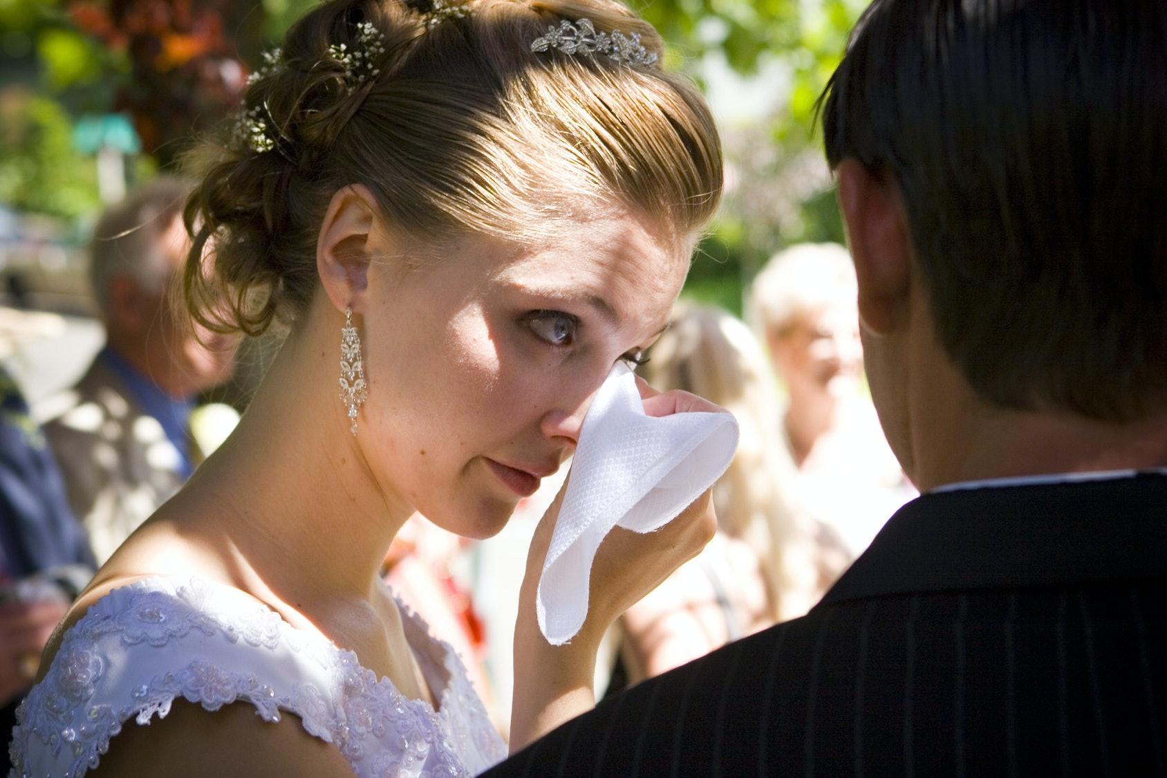 Жених подал в суд на невесту из-за макияжа