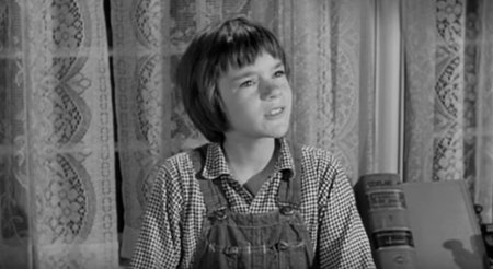 the memories of scout in lees to kill a mockingbird Character analysis, l - harper lee's to kill a mockingbird: scout's childhood innocence and growing maturity.