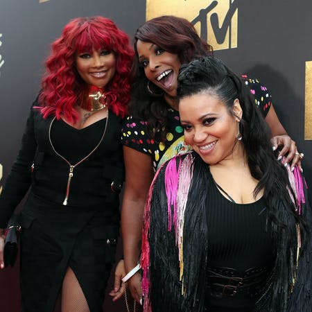 Groovy What Has Salt N Pepa Been Up To The 3990S Girl Group Has Had Short Hairstyles Gunalazisus