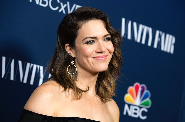 mandy moore dating life This is love this is us star mandy moore and dawes rocker taylor goldsmith are engaged after dating for more than two years let's take a.