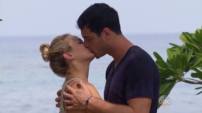 'The Bachelor' Reality Show Rumor: Ben Higgins' Mom Influences His Choice?