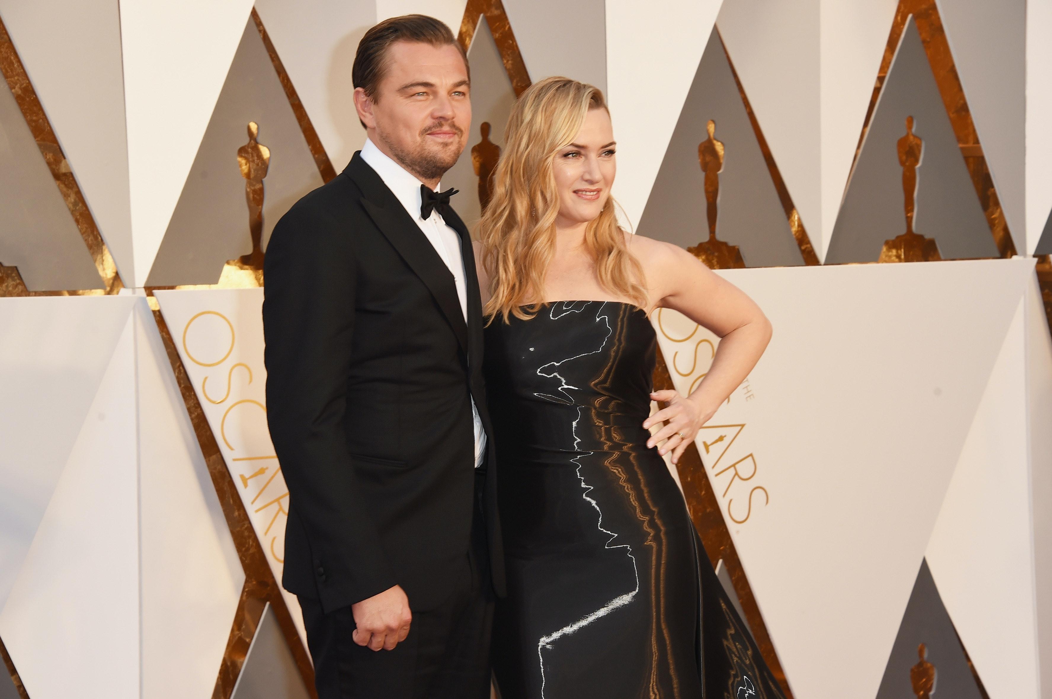 'Titanic' co-stars Kate Winslet and Leonardo DiCaprio reunite on Oscars red carpet