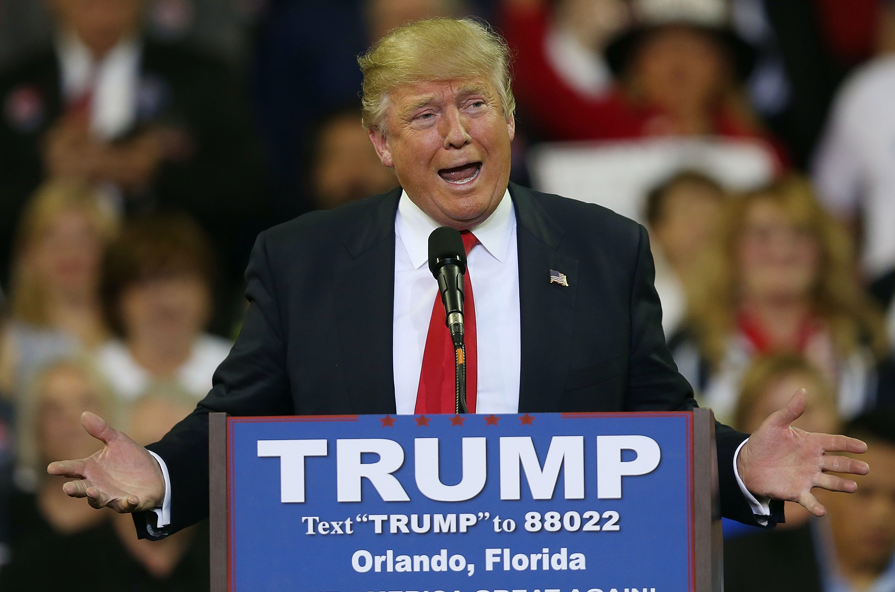 Donald Trump makes supporters swear allegiance to him in Florida