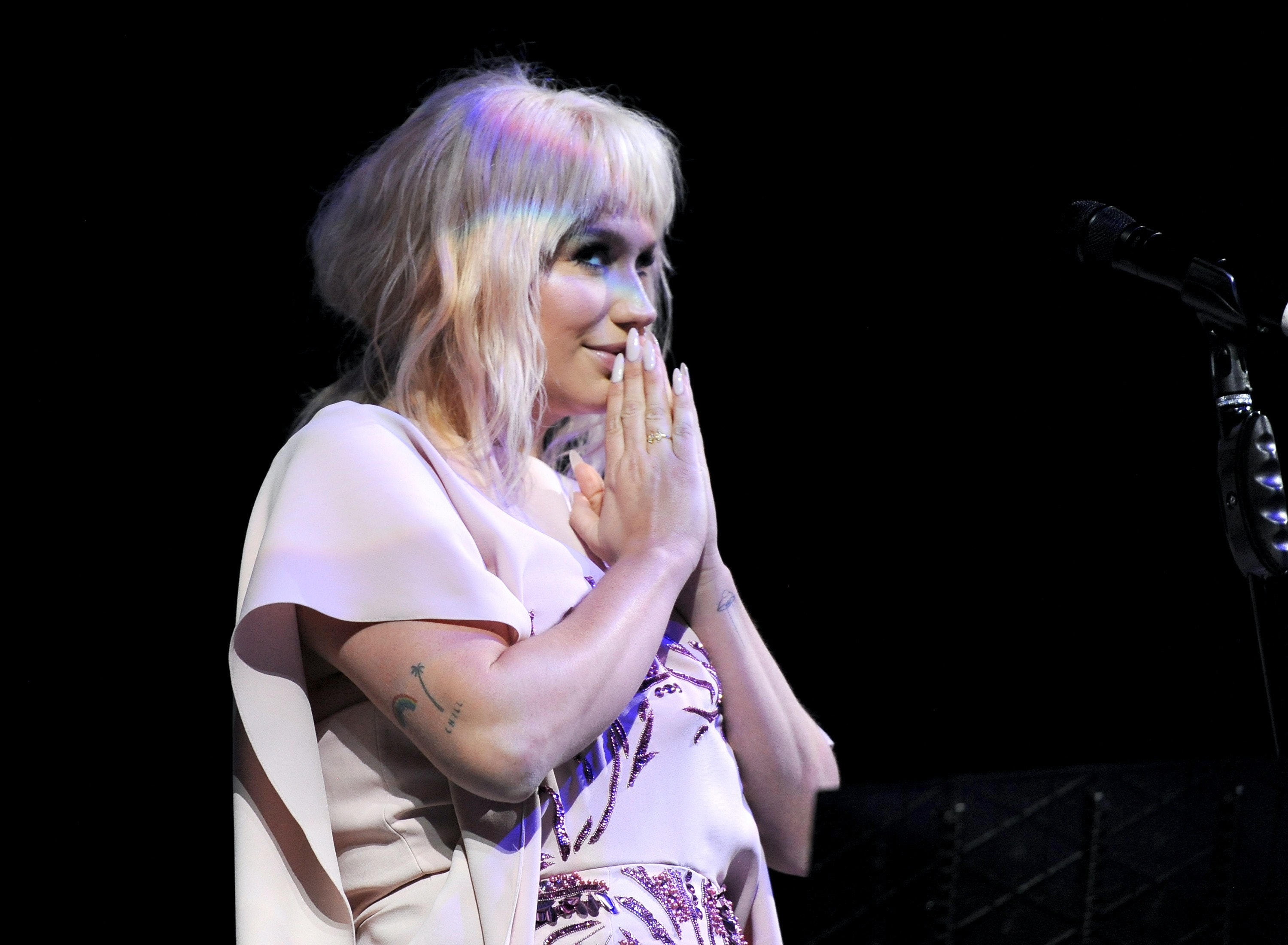 Kesha covers Lady Gaga's 'Til It Happens To You' at charity event
