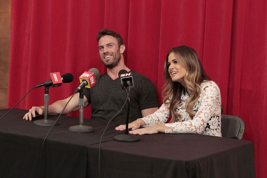'The Bachelorette' 2016 Spoilers: JoJo Fletcher Panics In Final Rose Ceremony