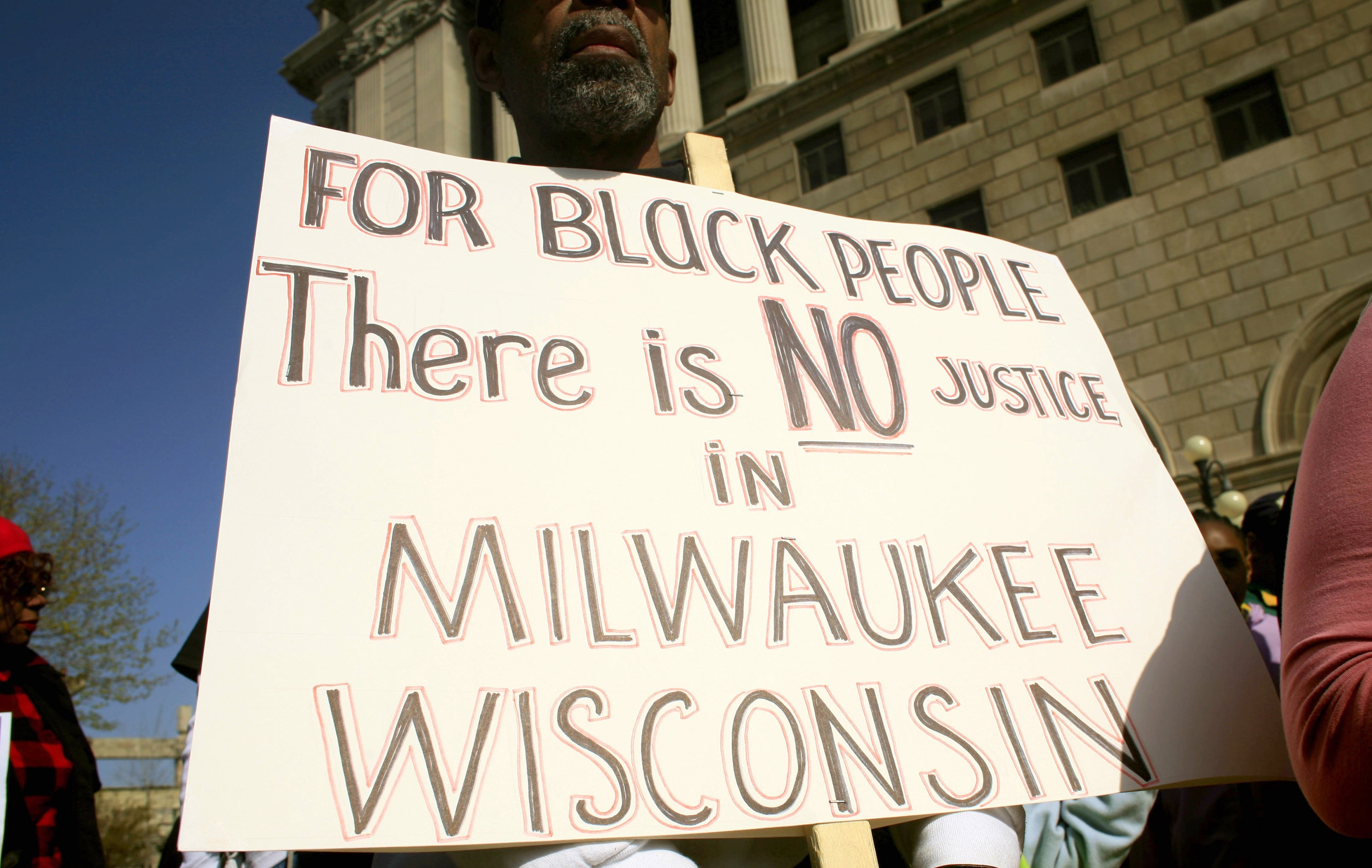 Curfew imposed in Milwaukee after African-American man shot dead