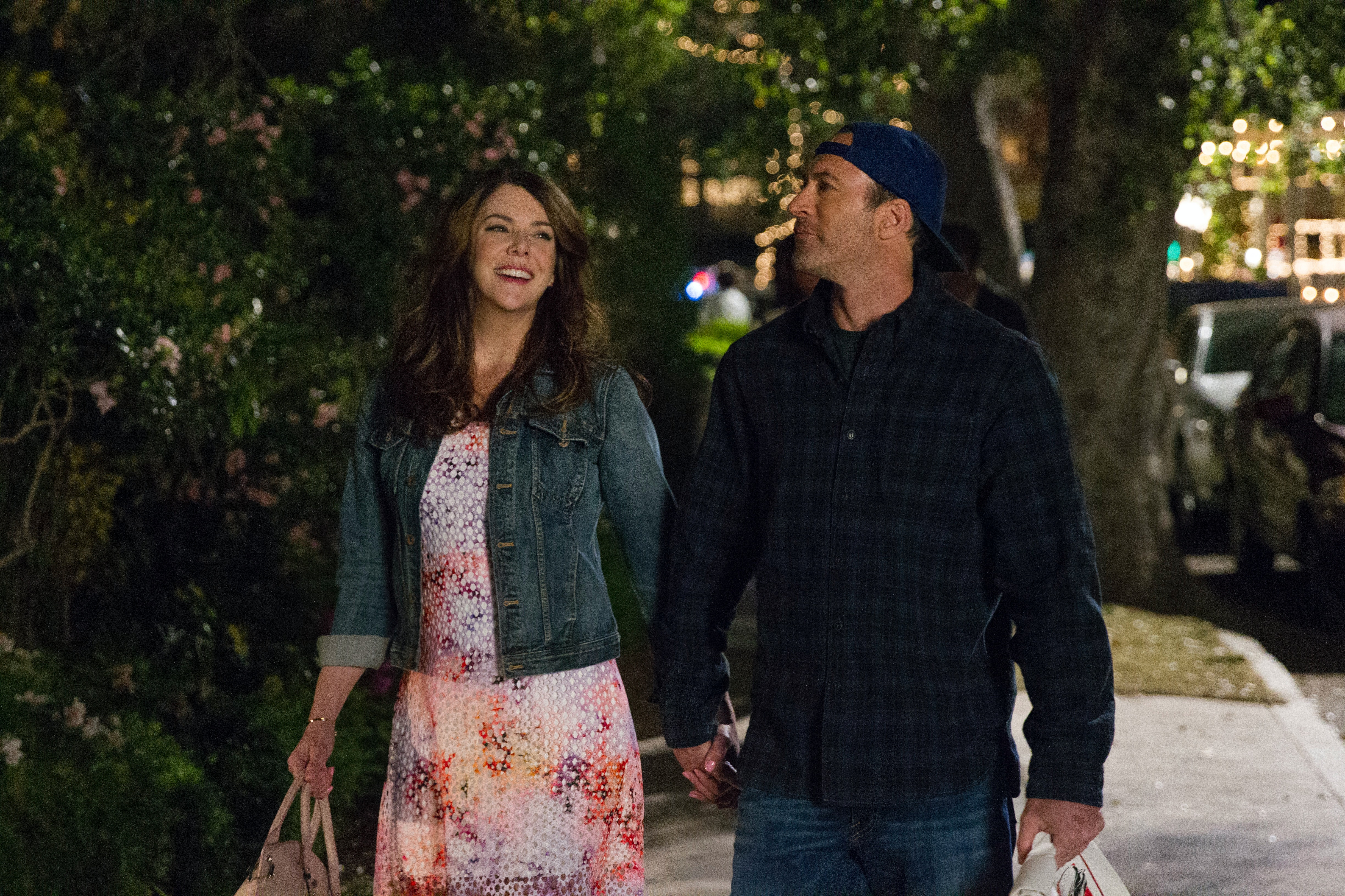 Does This Picture Hint That Someone's Pregnant in the 'Gilmore Girls' Revival?