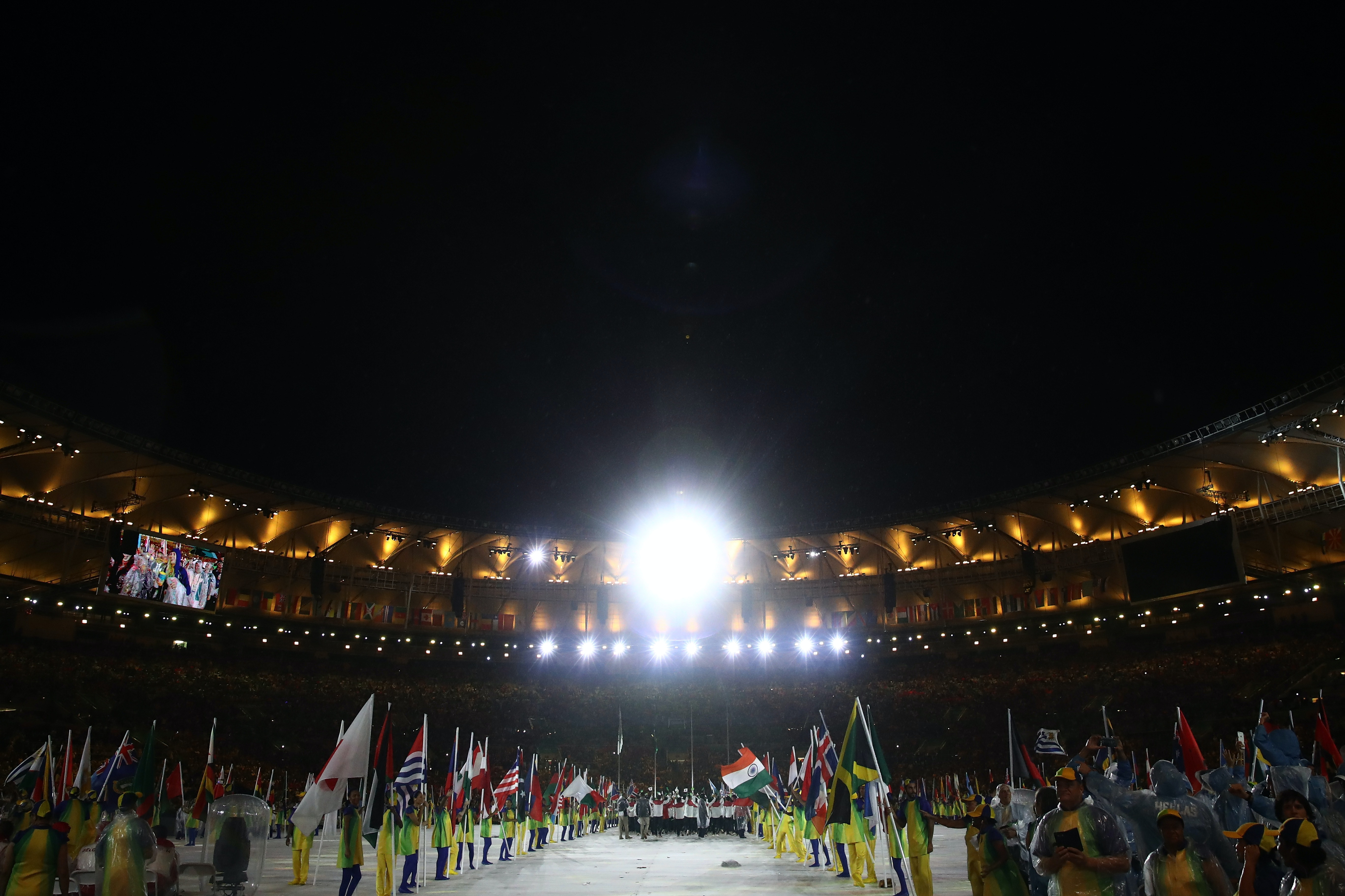 Queen commends Olympic heroes of Team GB and the Commonwealth