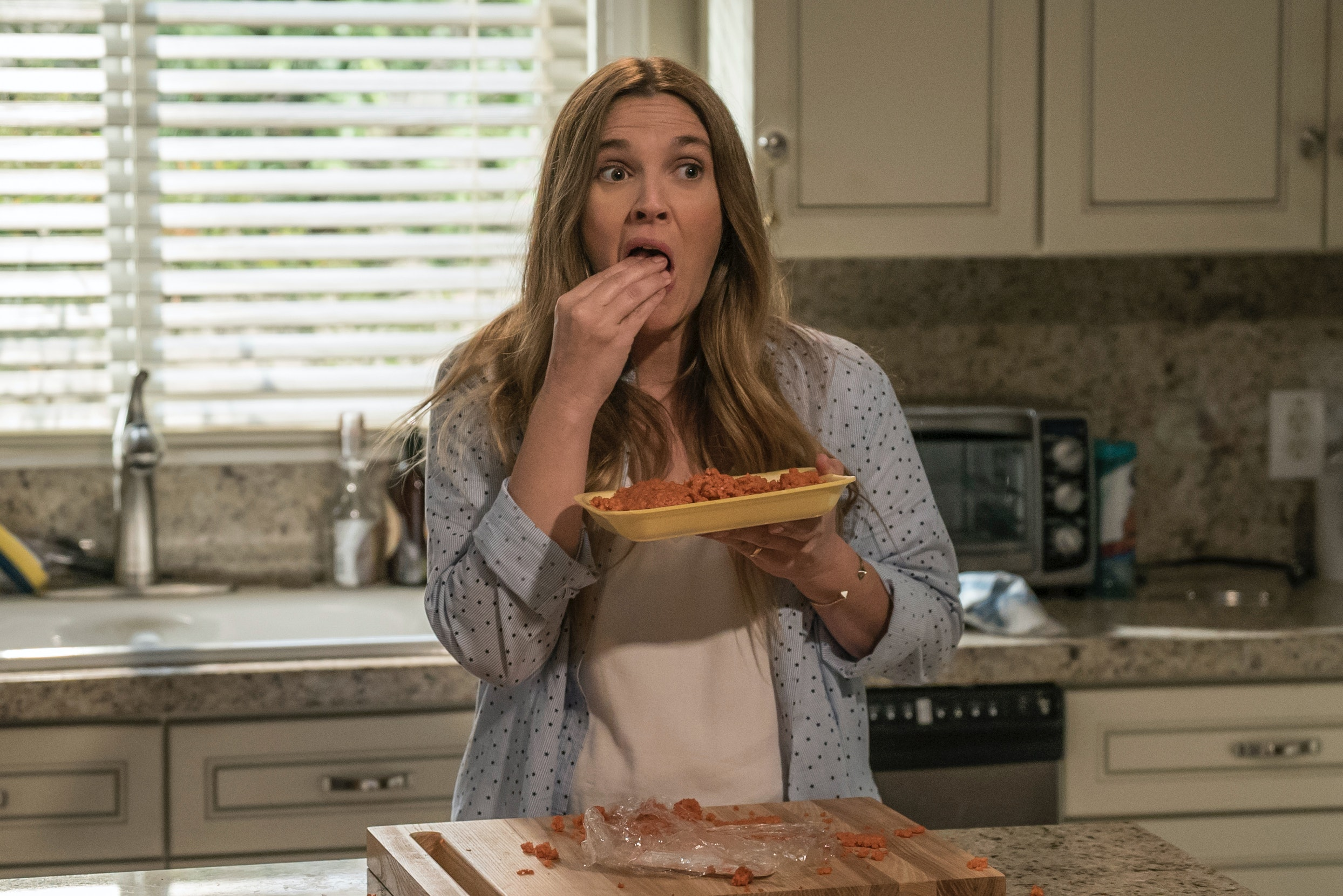 'Santa Clarita Diet' Trailer: Drew Barrymore Kills It In Netflix Dark Comedy