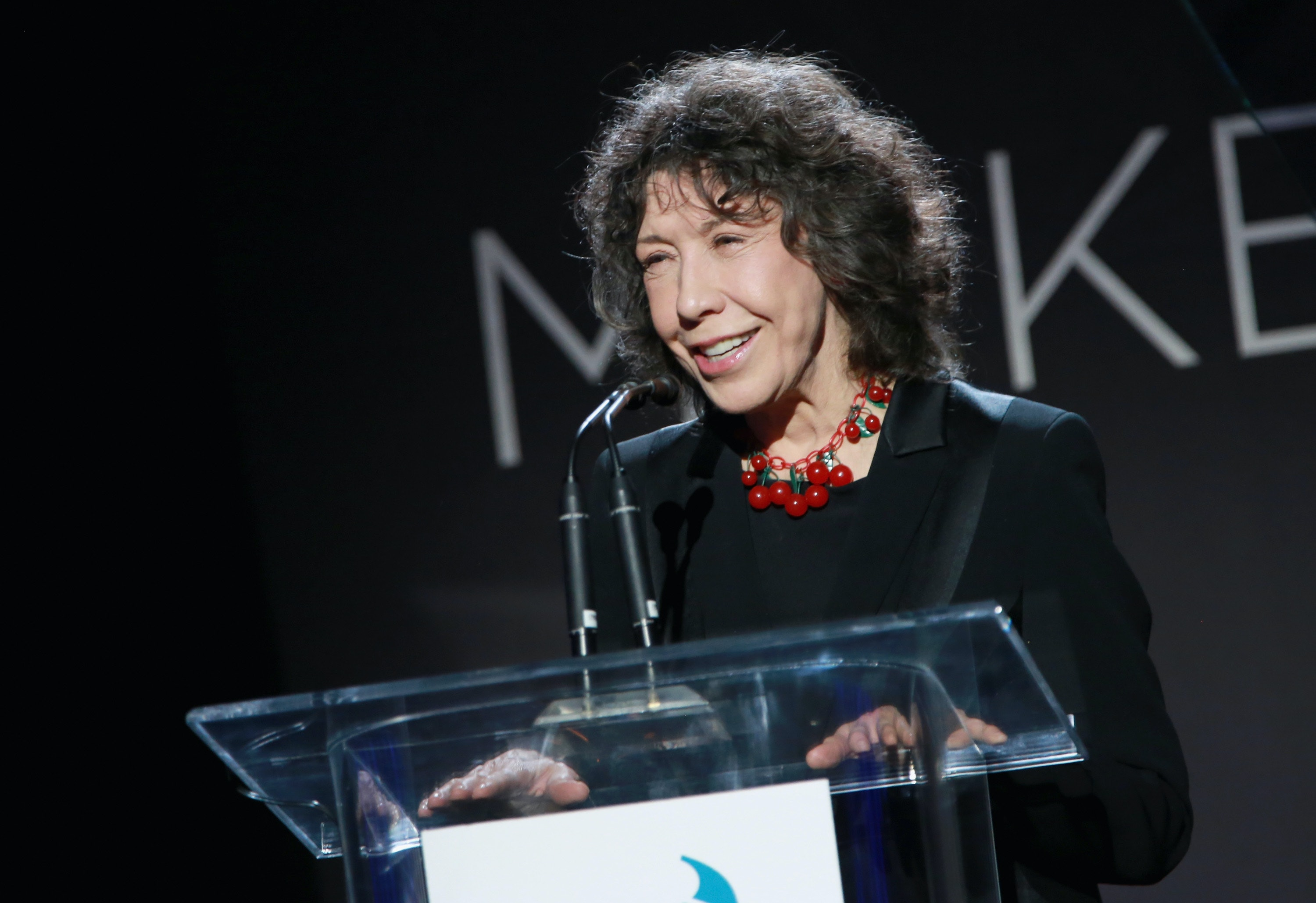 Lily Tomlin juxtaposes Trump's presidency to Nazi Germany