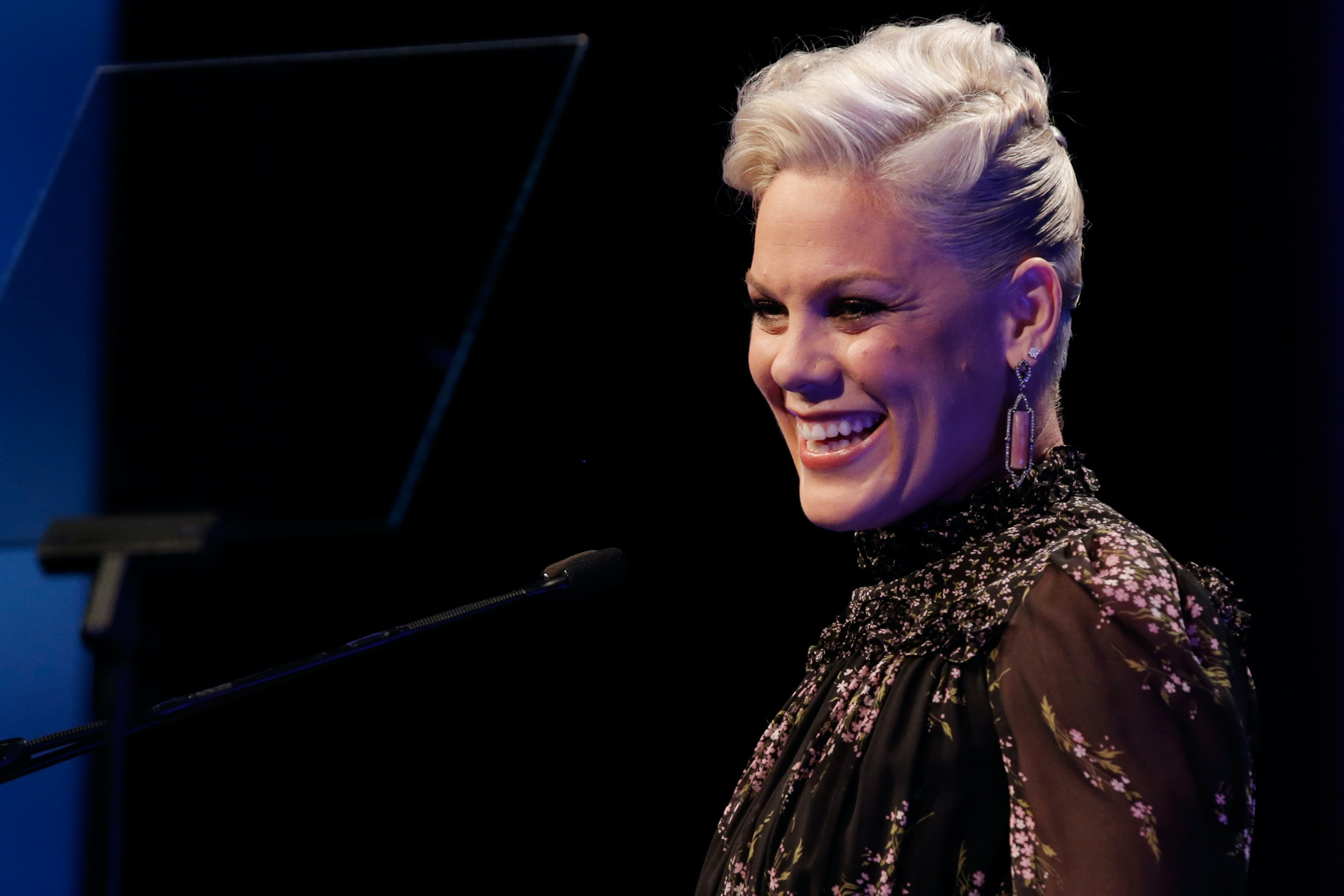Pink flaunts post-baby weight with message to new moms