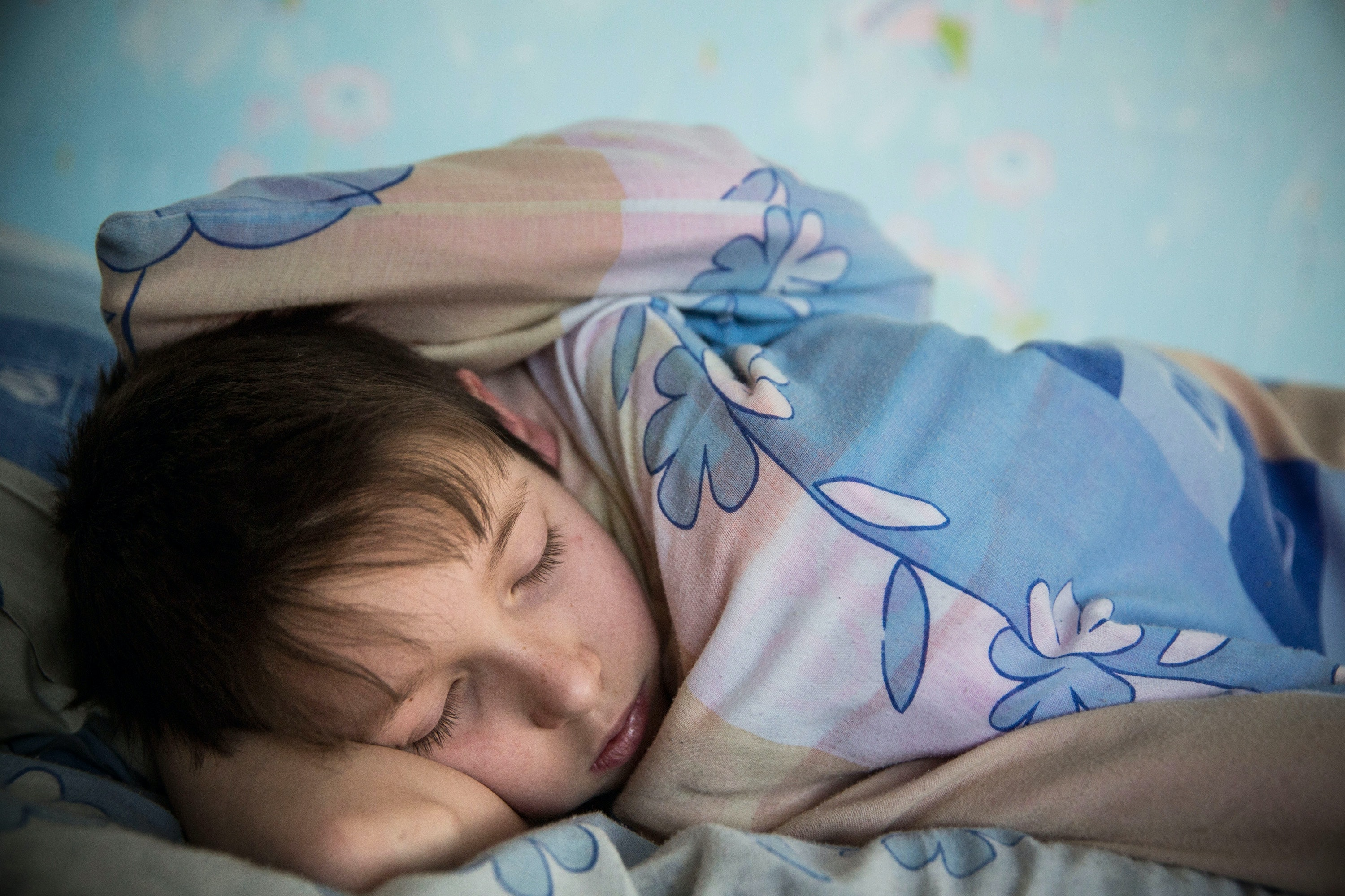 Regular bedtimes stop children from becoming overweight, study finds