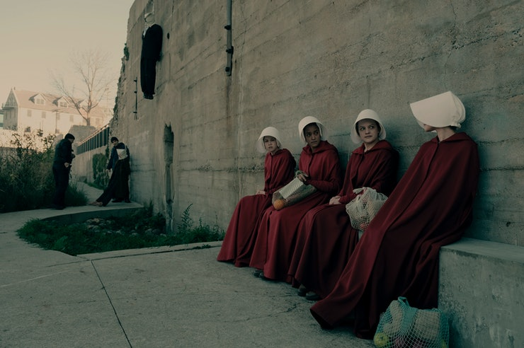 an analysis of totalitarian power in the handmaids tale by margaret atwood The handmaid's tale is about a totalitarian theocratic regime that strips away power from women, seen through the eyes of a woman known as offred (played by elisabeth moss in the series.