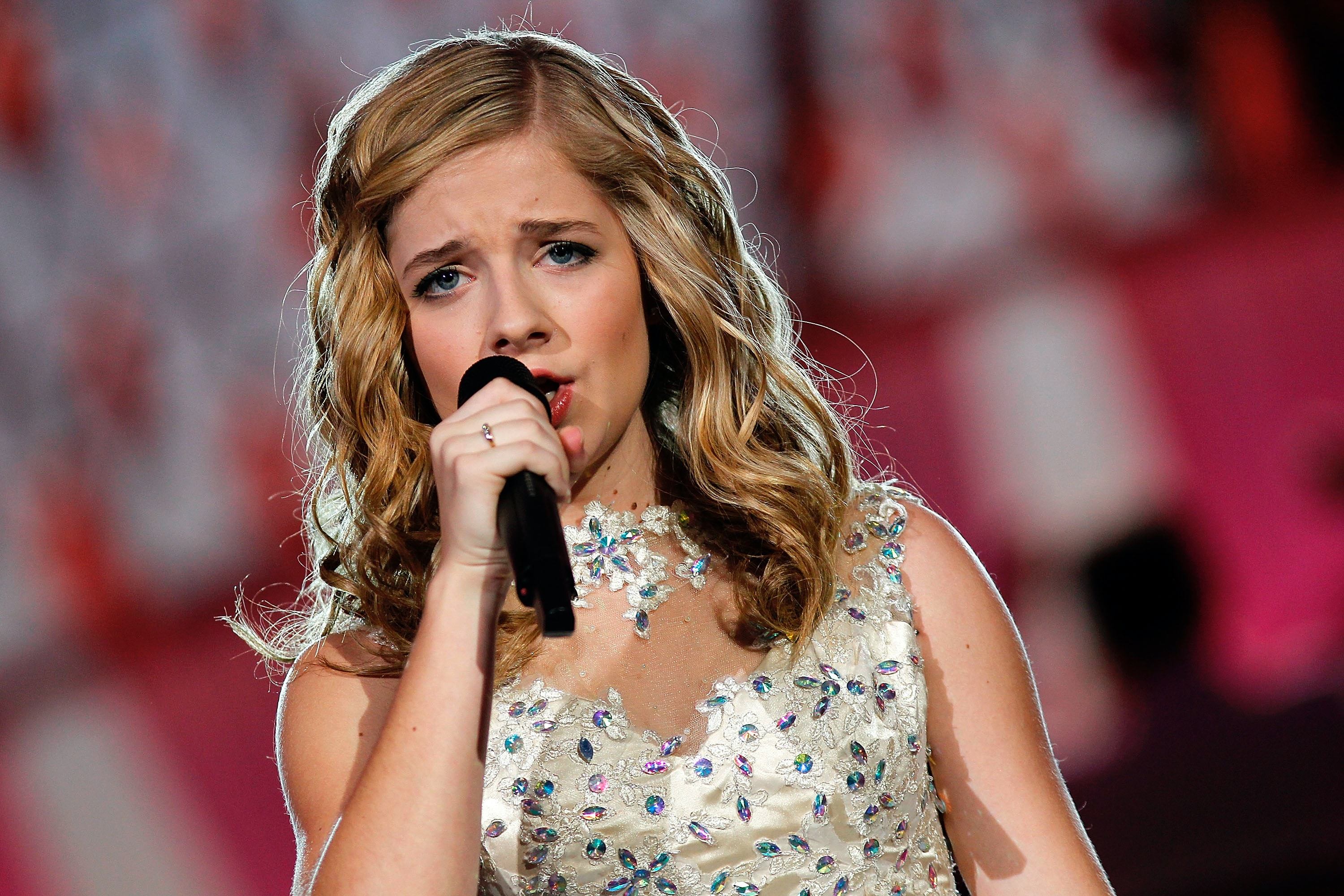 Jackie Evancho's inaugural performance met with mixed reviews