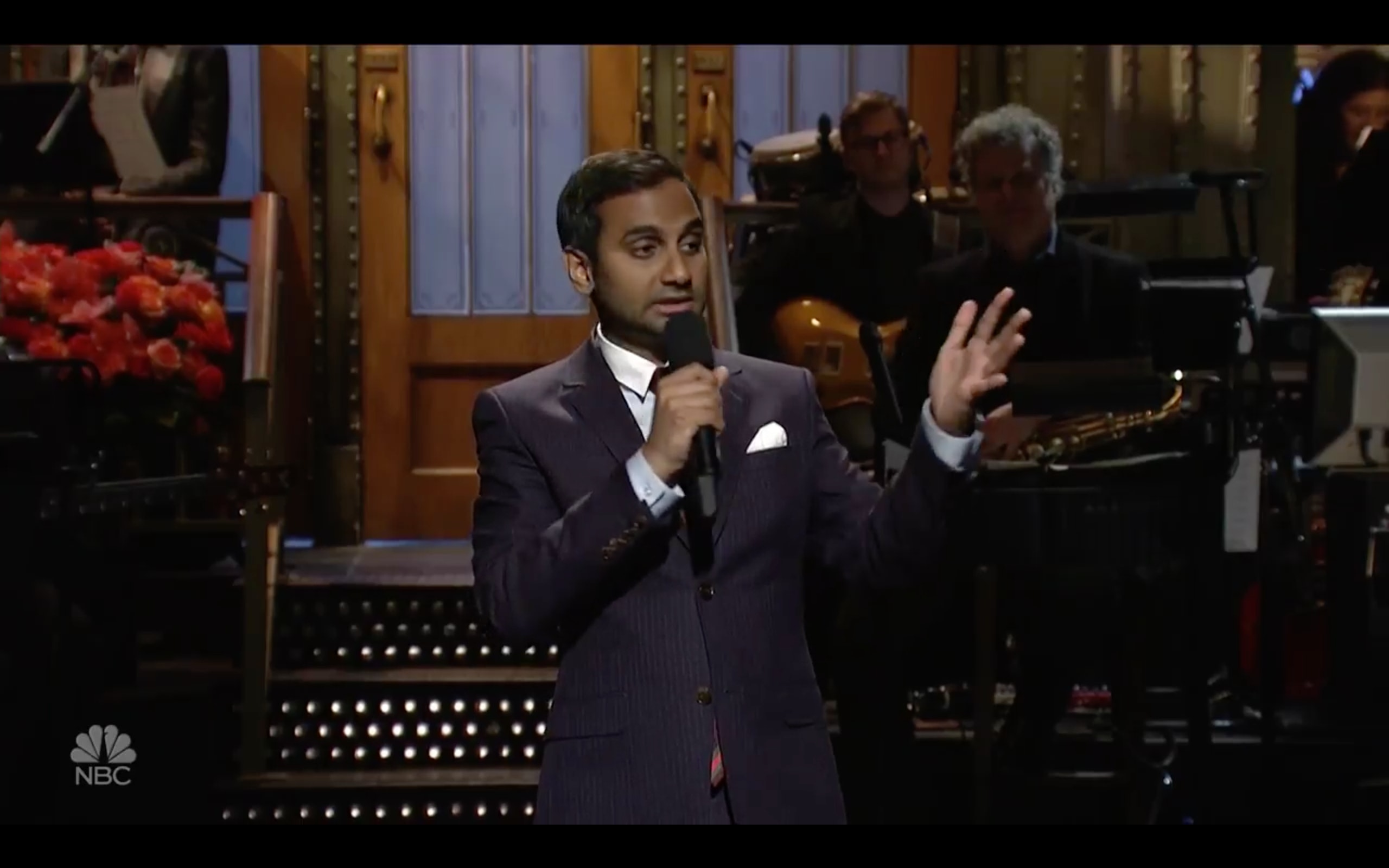 Aziz Ansari Delivers SNL Monologue Telling Trump to Denounce Racists