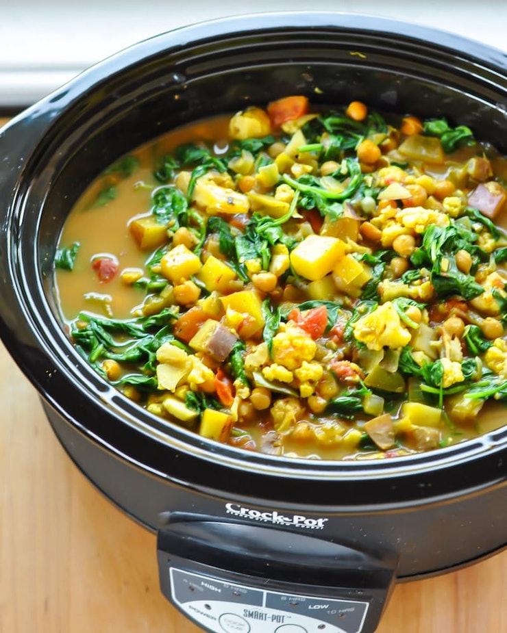 225 Vegetarian Crock Pot Recipes: 35 Vegan Crock-Pot Recipes To Keep You Warm & Well-Fed