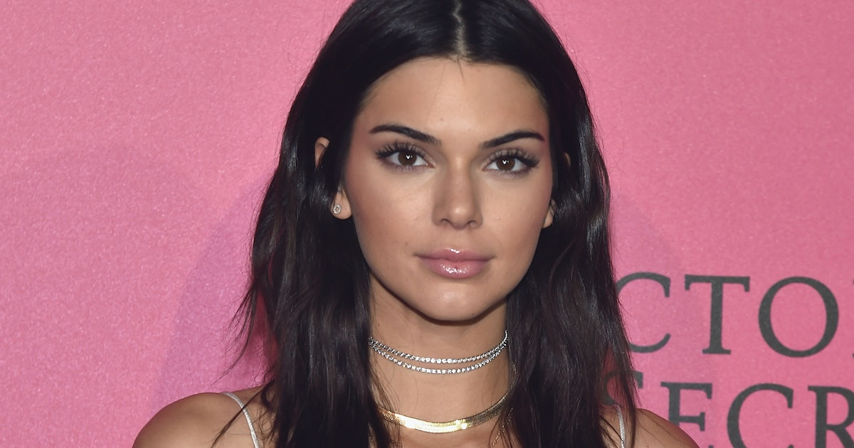 Is kendall jenner 39 s tattoo real you have to see it to for Kendall jenner snake tattoo
