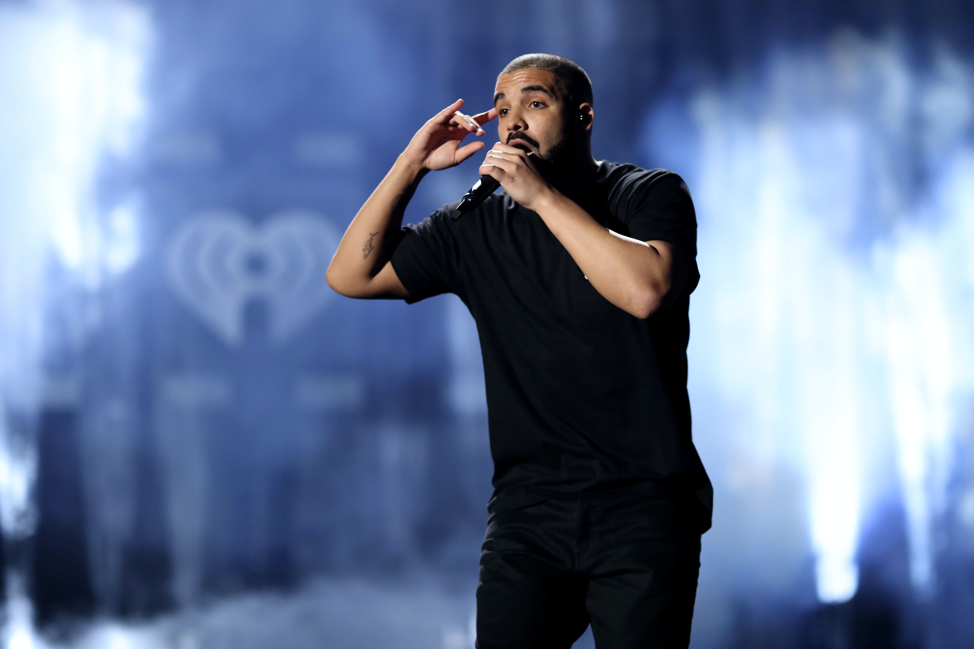 Drake brings the heat on 'More Life'