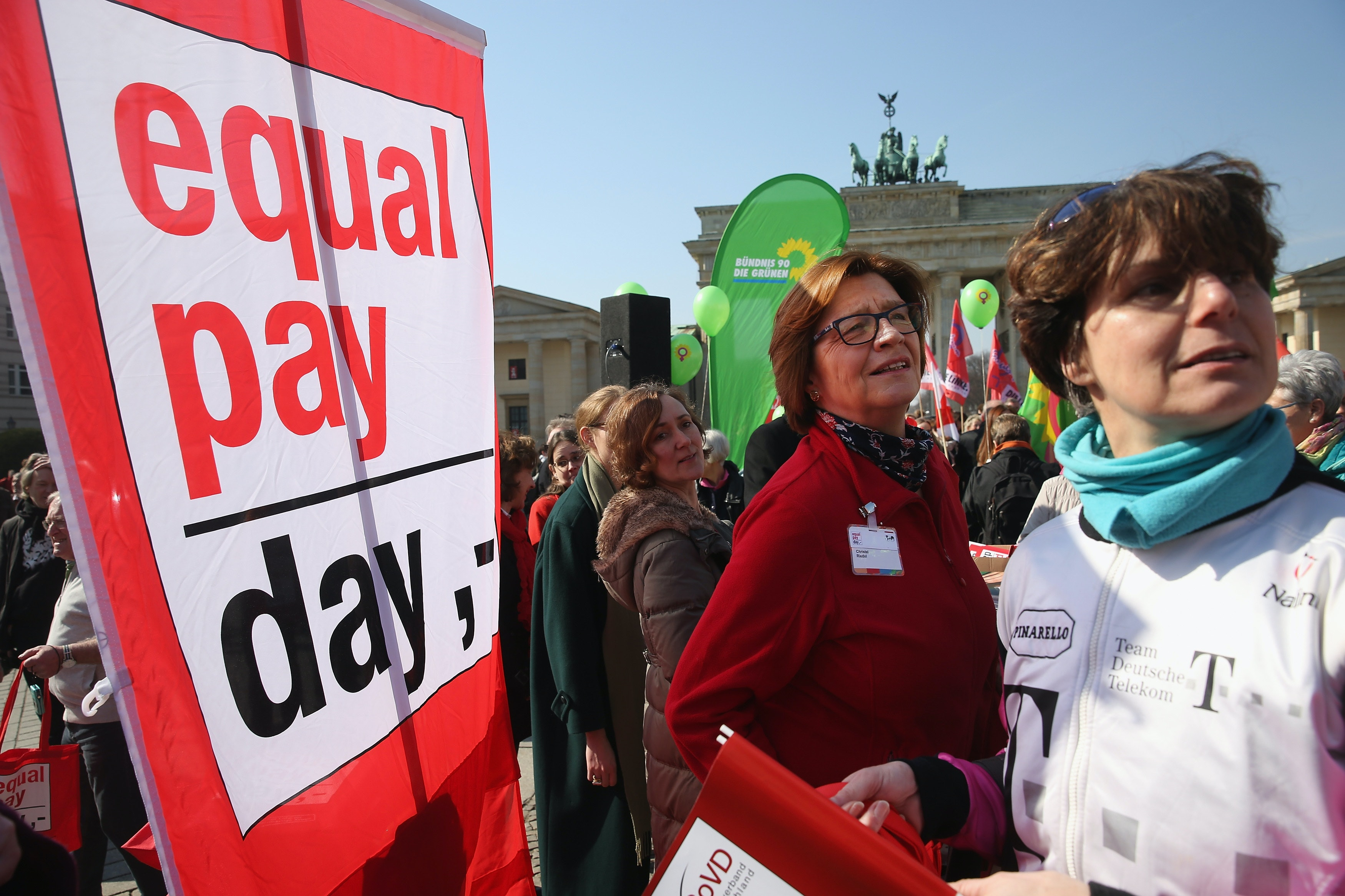 Advocates call for more salary transparency on Equal Pay Day