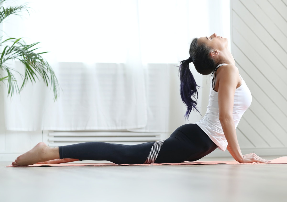 The 9 Best Yoga Mats For Bad Knees