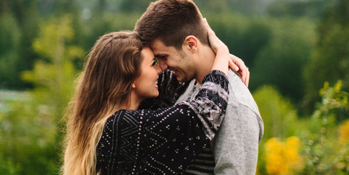 What is the difference between dating and boyfriend girlfriend