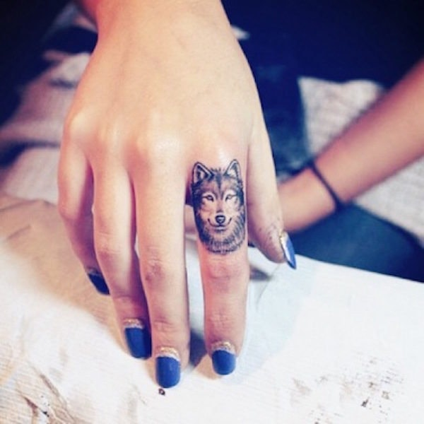 c44bb401f 30 Awesome Finger Tattoos That Will Subtly Add Creativity To Your Life