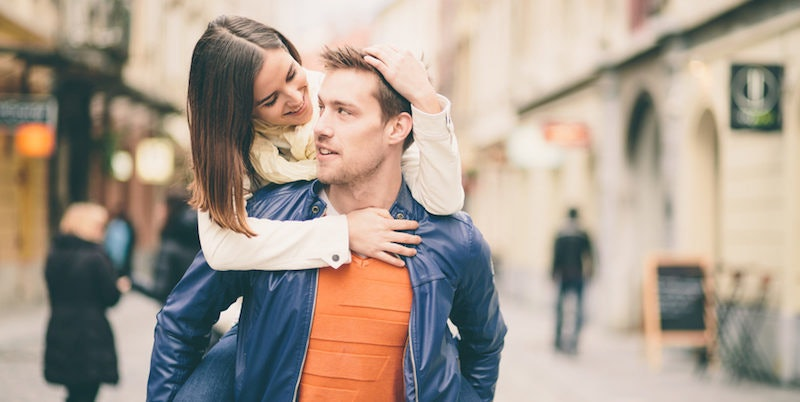 önbecsülés és randevú menyasszony