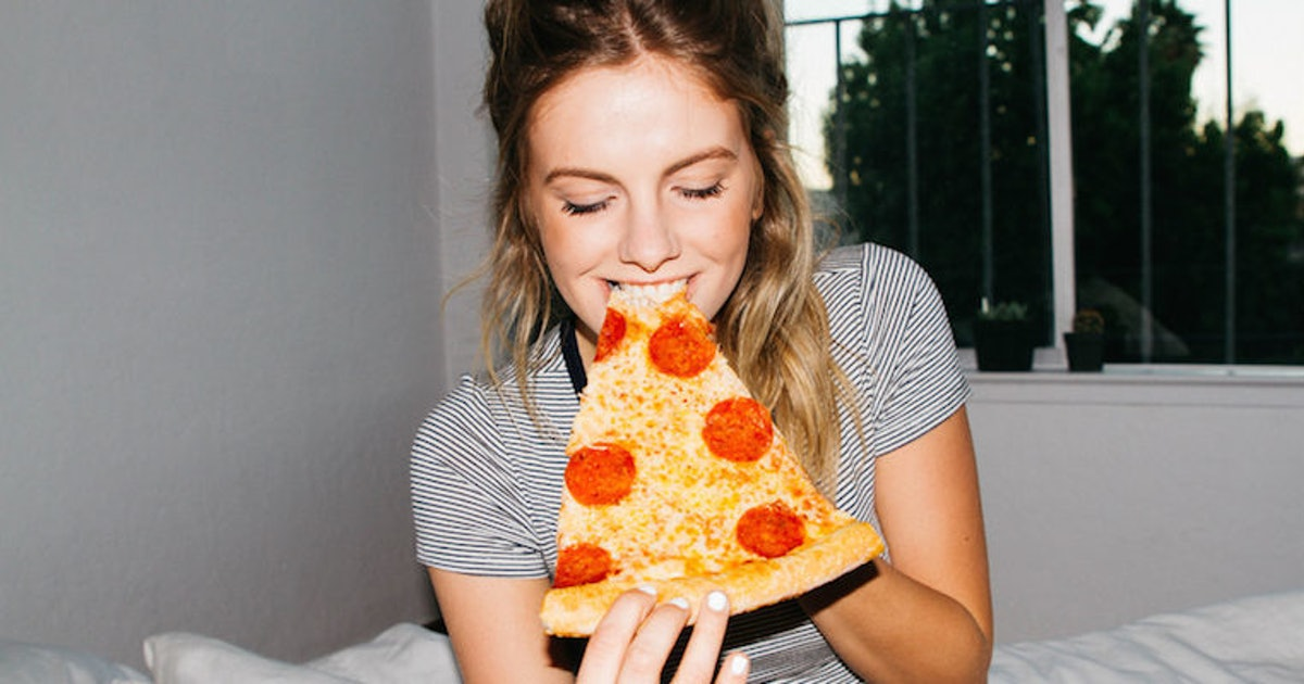 8 Things to Know Before Dating a Chronically Hungry Girl