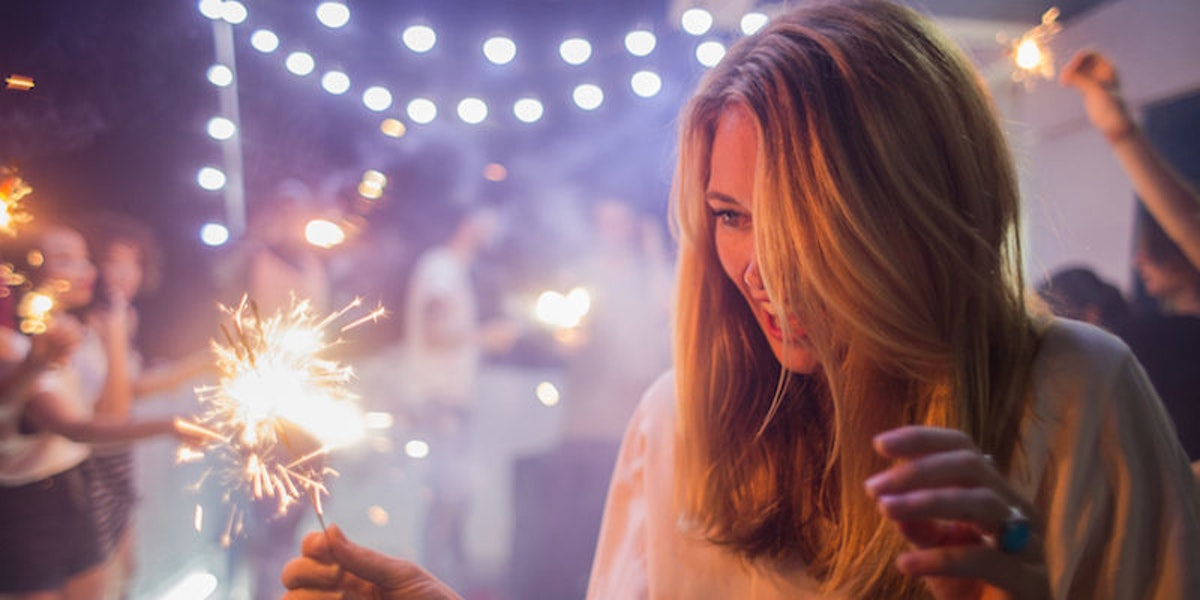 new year s eve a comparison between - new year's eve - hogmanay what does hogmanay actually mean and what is the derivation of the name why do the scots more than any other nation celebrate the new year with such a passion.