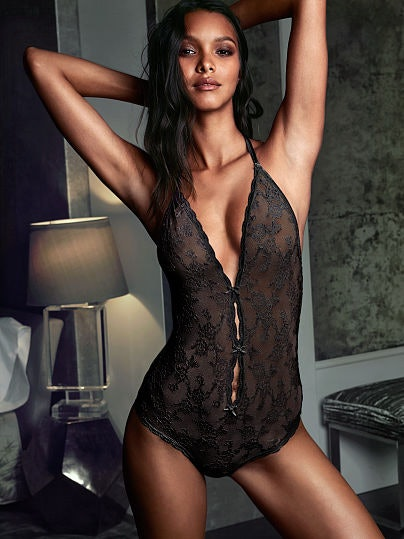 5 sexy lingerie pieces every woman should ownthe time she's 25