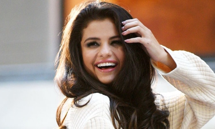Selena gomez just revealed what she does before a show and its selena gomez just revealed what she does before a show and its amazing voltagebd Gallery