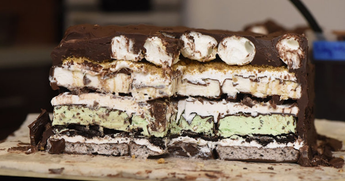 This Is How You Make 7-Layer Ice Cream Lasagna, You're Welcome