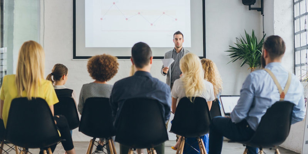 advantages of taking a public speaking class Disadvantages in public speaking aristotle divided oratory into three classes, as follows: the demonstrative, which embraces praise in a high degree.