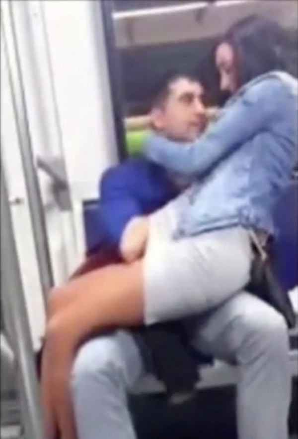 Guys Snapchats Of Subway Rider Fingering Girl Next To Him Are So So Angry