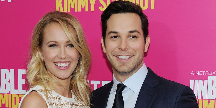 pitch perfect co stars dating Congratulations are in order for anna camp and skylar astin the pitch perfect stars were married on the central california coast on saturday, surrounded by family, friends, and a few famous co-stars, et can confirm.