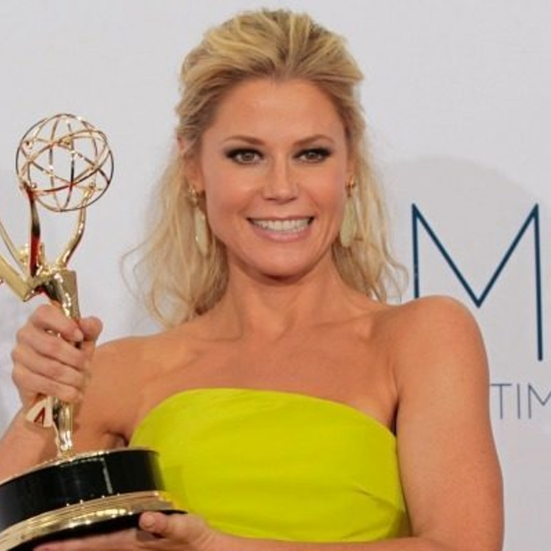 Claire dunphy hairstyle page 5 the best hair style in 2018 definitive proof julie bowen from modern family is the milf of all milfs urmus Gallery