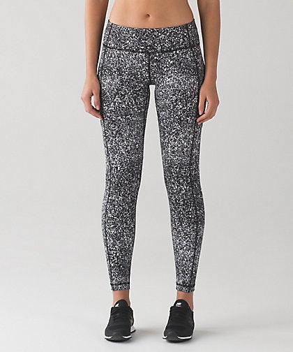 37225a0aa943b Lululemon Leggings Are $300 And Everyone Is Pissed
