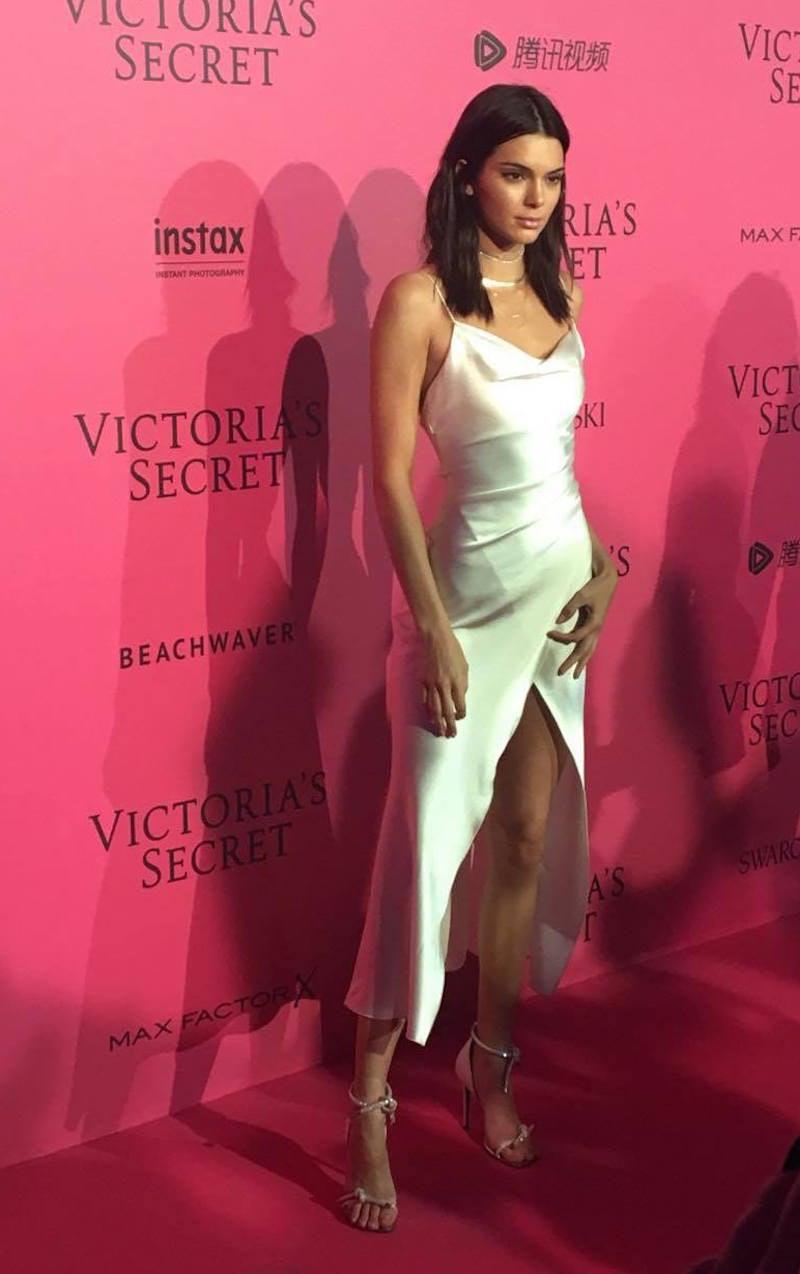 8c317bcc81e Kendall Jenner At Victoria s Secret Fashion Show After Party Pink Carpet