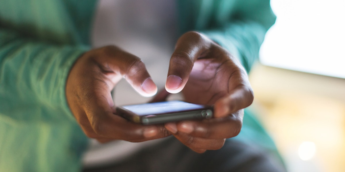 How often to text a girl when first dating