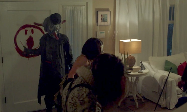 what does the murder sign mean on 39 ahs cult 39 here 39 s what. Black Bedroom Furniture Sets. Home Design Ideas
