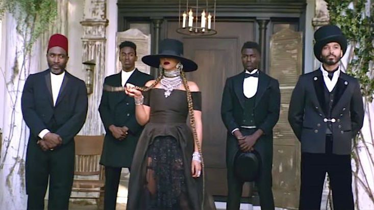 """easy beyonce """"formation"""" halloween costume ideas to help you twirl"""