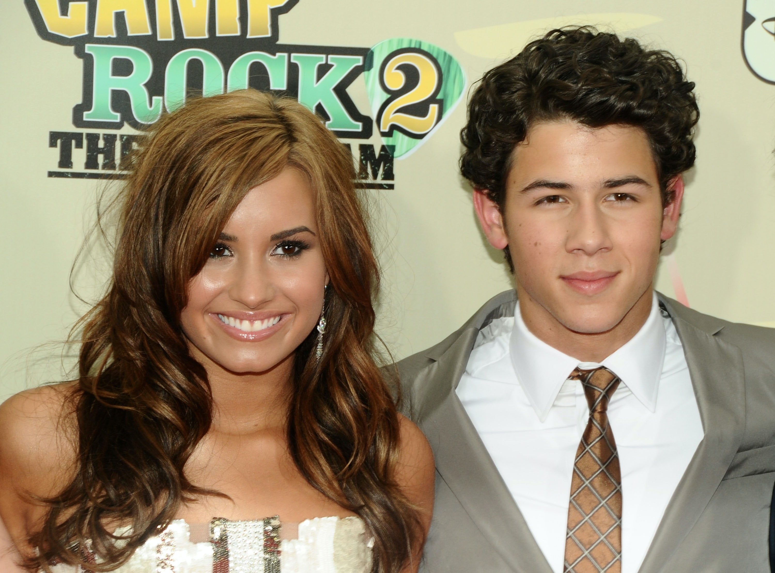 Are nick jonas and demi lovato dating, nude selfies of teen studs
