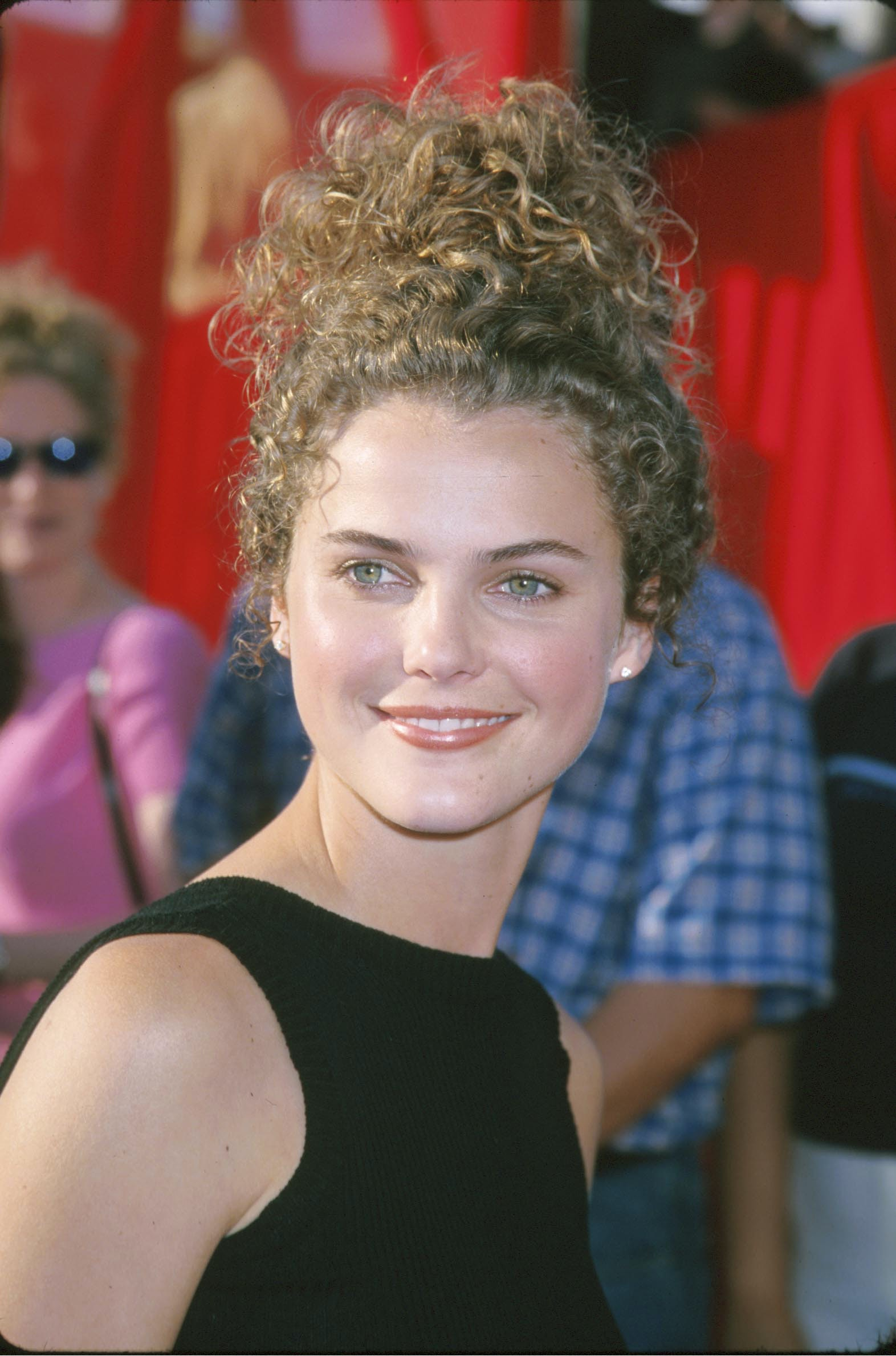 14 Celebrities With The Most 90s Hair Imaginable Photos