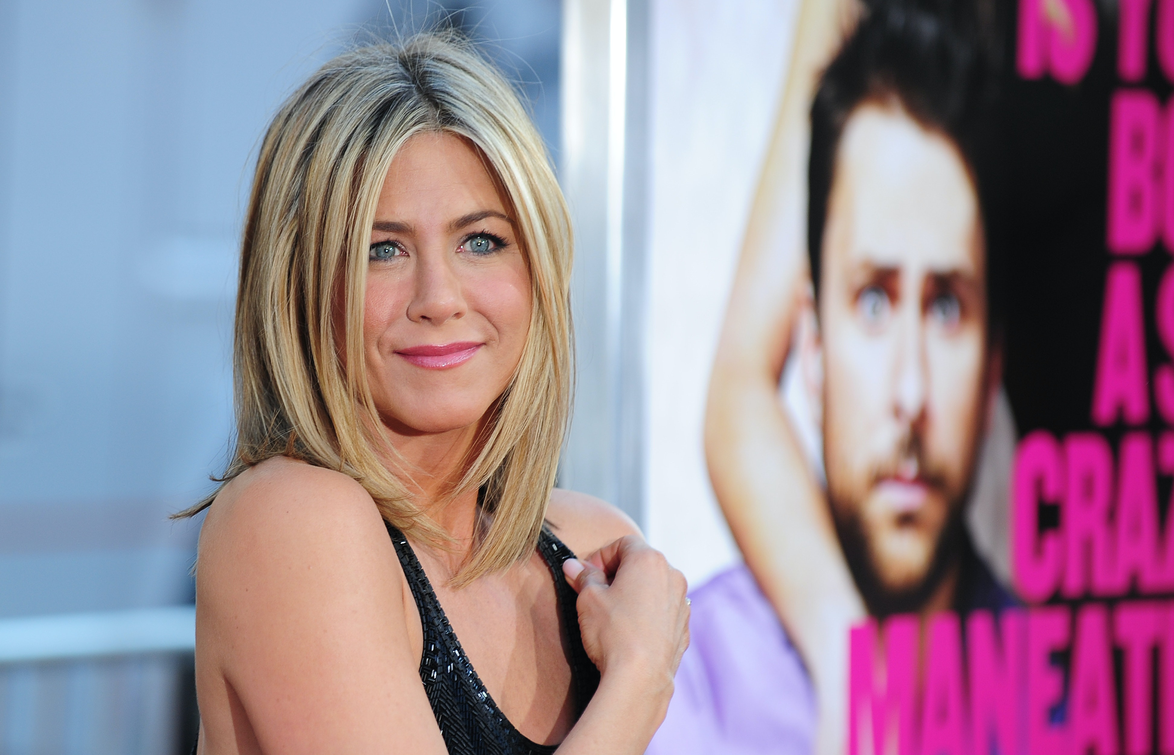 But dont worry — Aniston gets zits too recommendations