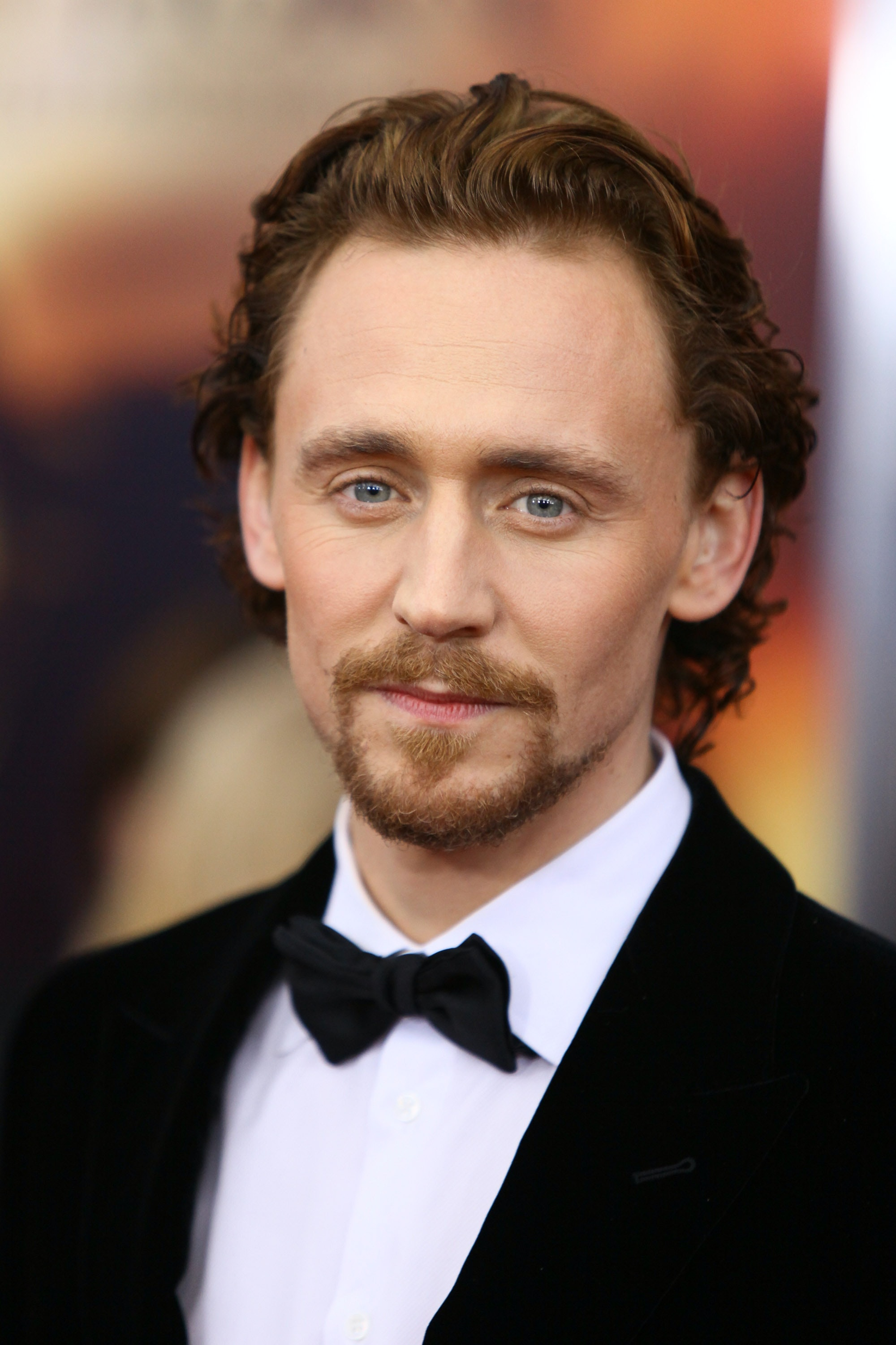 Ranking Tom Hiddlestons Hairstyles From Golden Retriever To Frizzy