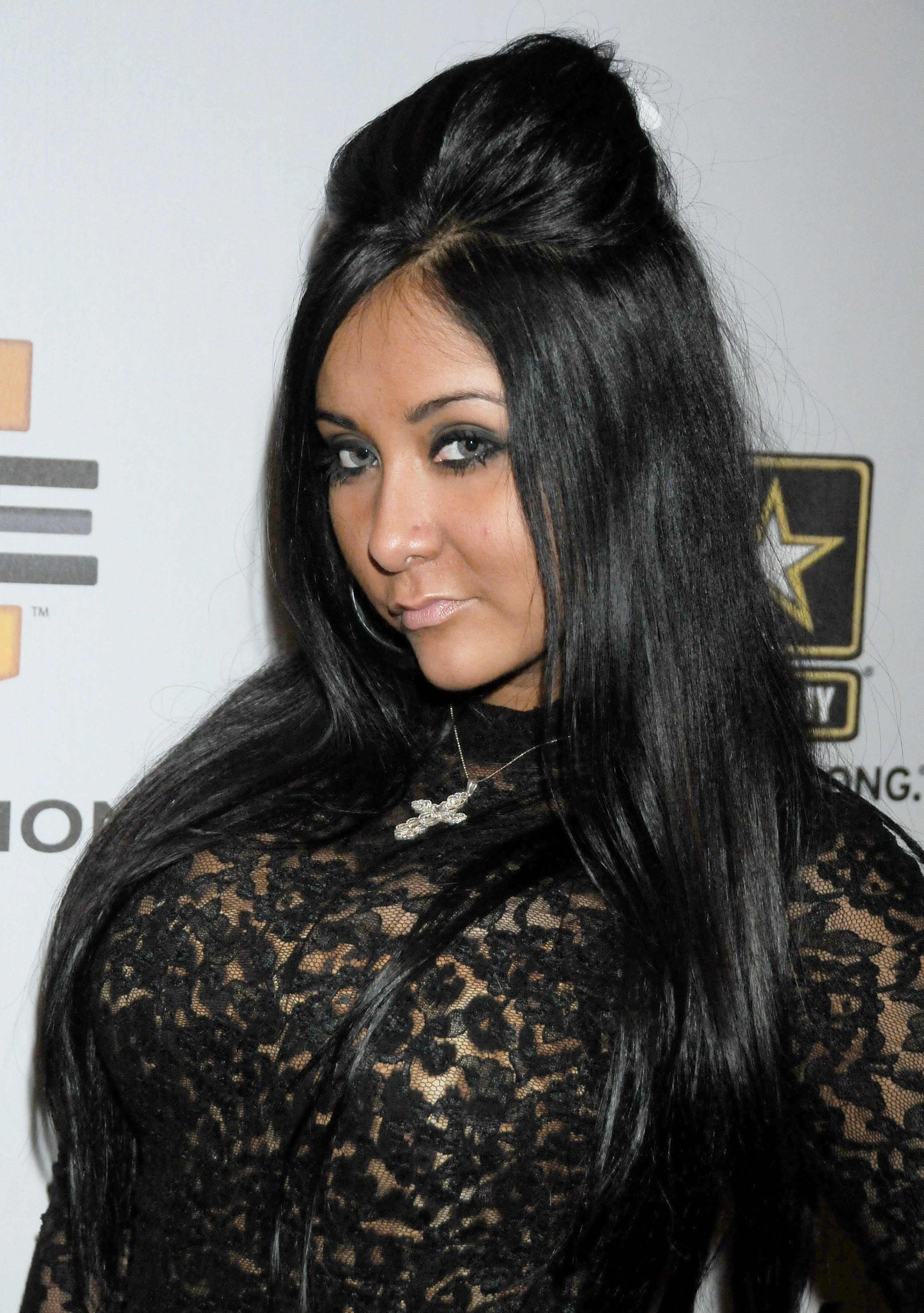 Snooki Chops Off Her Hair In Favor Of A Lob And Looks Better Than