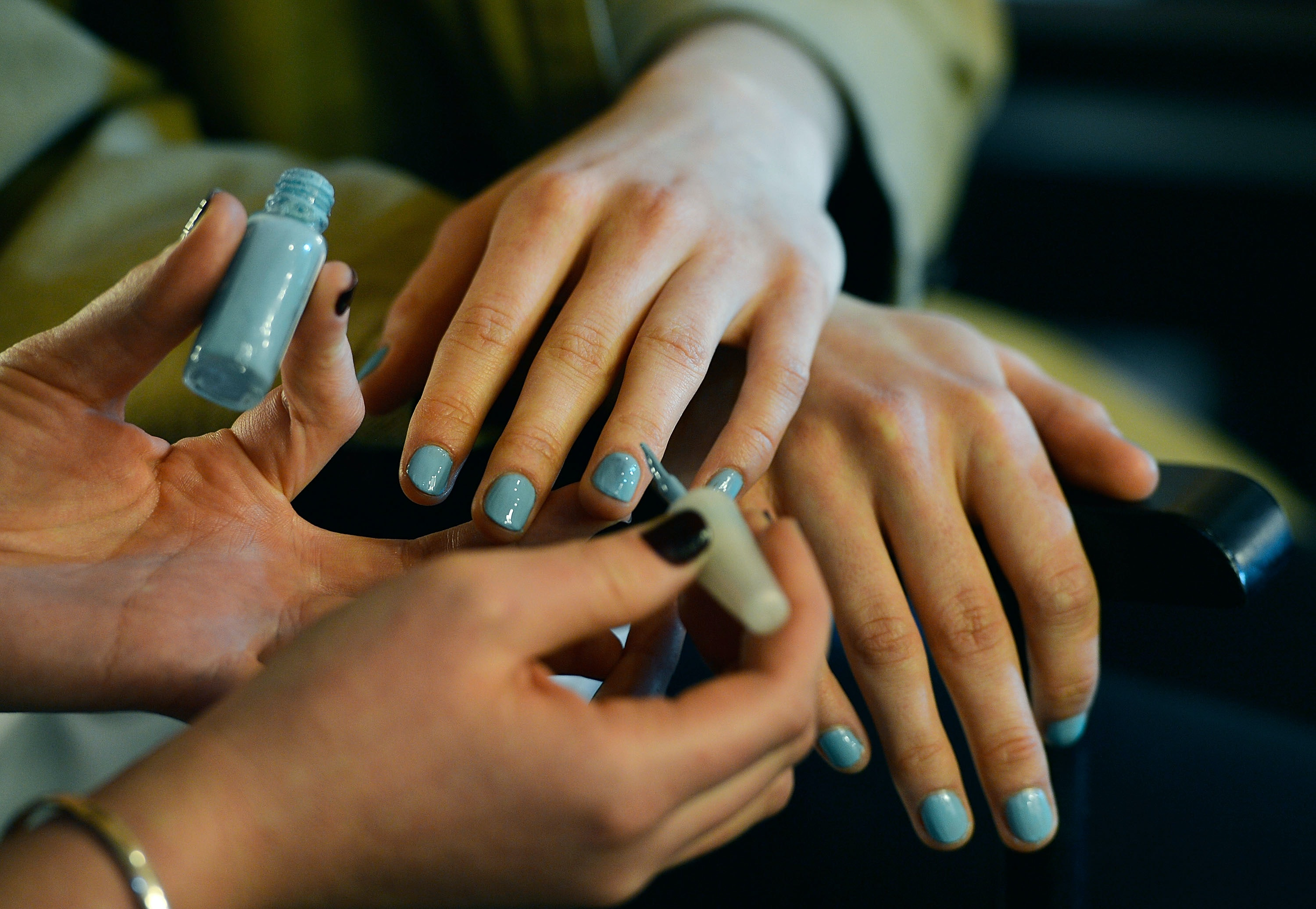 Does Sunscreen Ruin Gel Manicures? What To Know Before Your Next ...