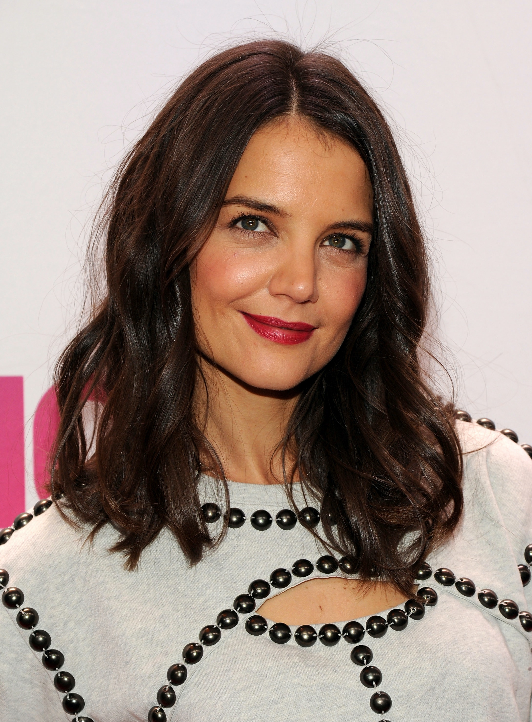 Katie Holmes Gets Shorter Hair And Goes Darker Too