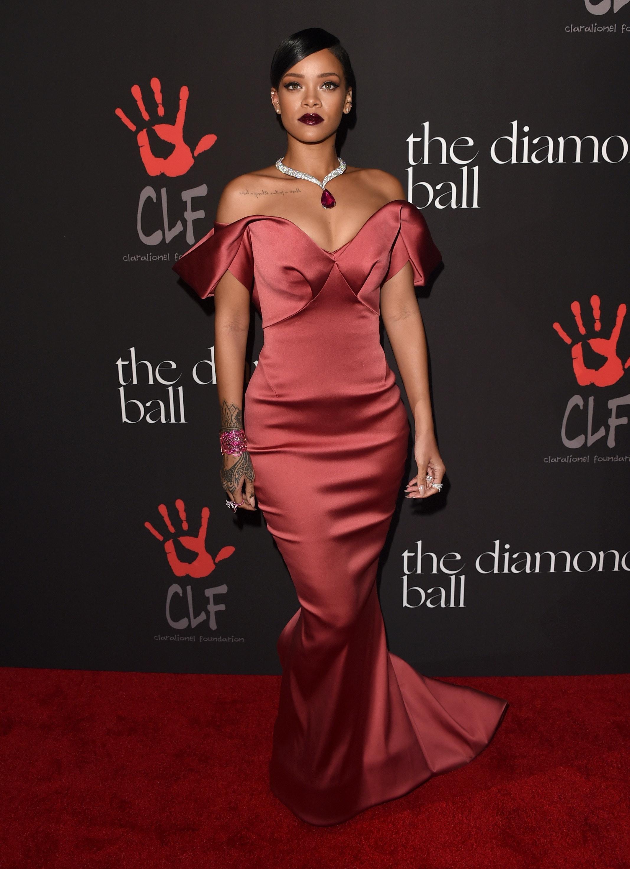 Rihanna\'s Diamond Ball Dress Is Gold Dior — PHOTOS